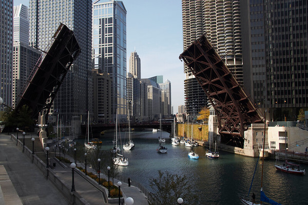 Raised bridge on the Chicago River by Art Hill